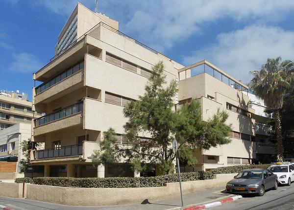 Баухауз в Тель-Авиве: очарование индустриального железобетона