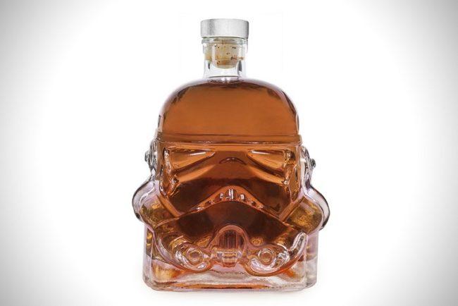 original-stormtrooper-decanter-00