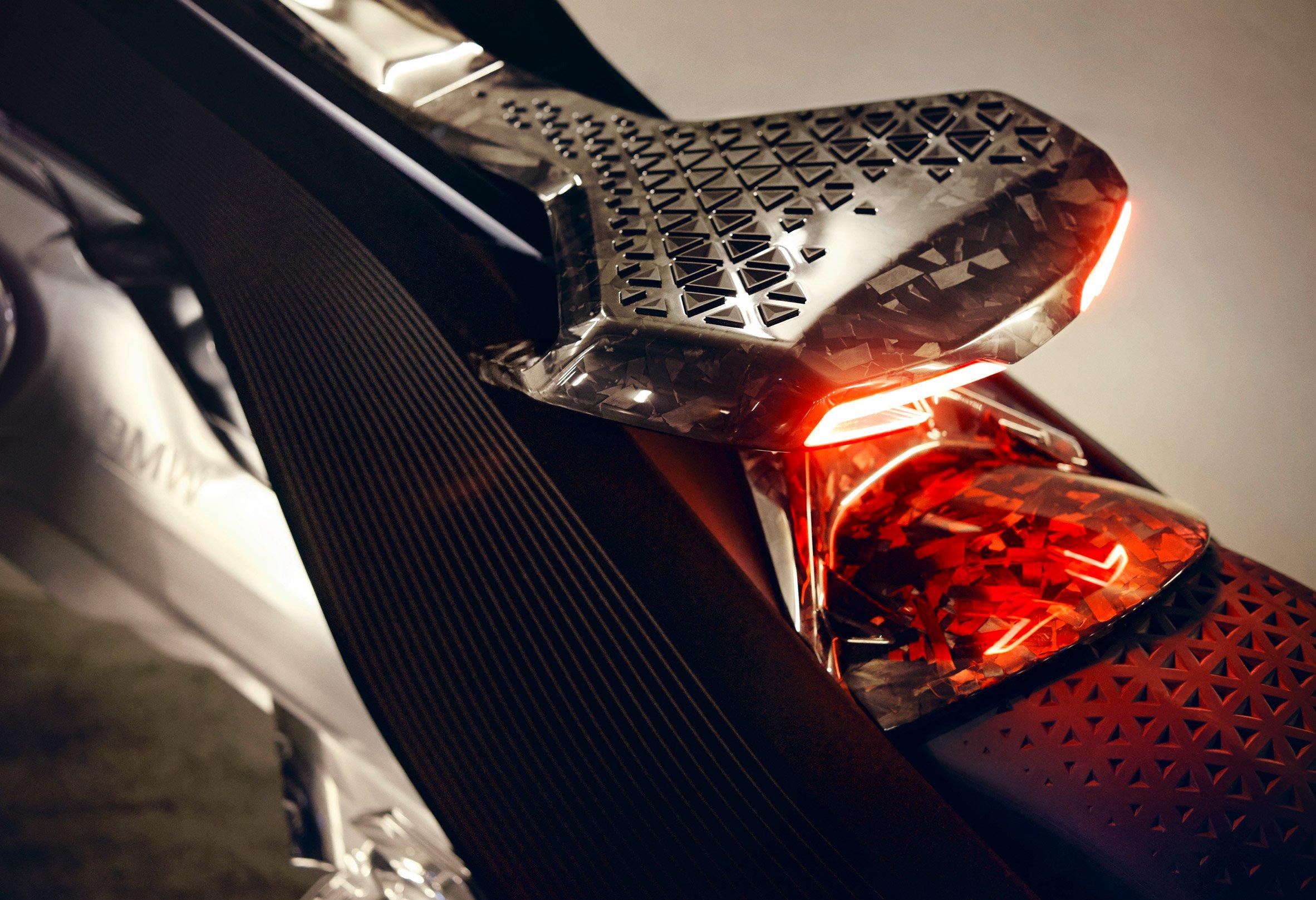 bmw-motorbike-vision-next-100-transport-vehicle-design_dezeen_2364_col_7