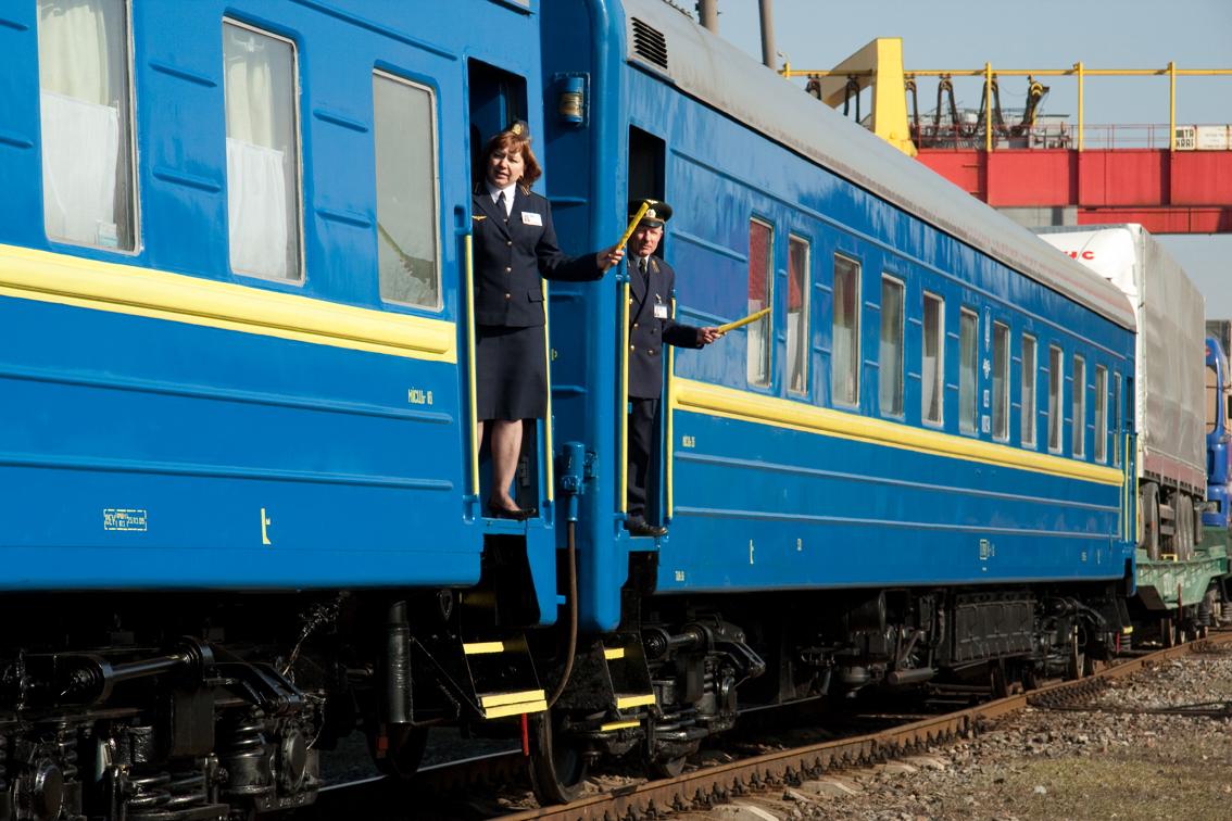 Купити квиток на поїзд стало простіше. Укрзалізниця запустила мобільну версію сайту!