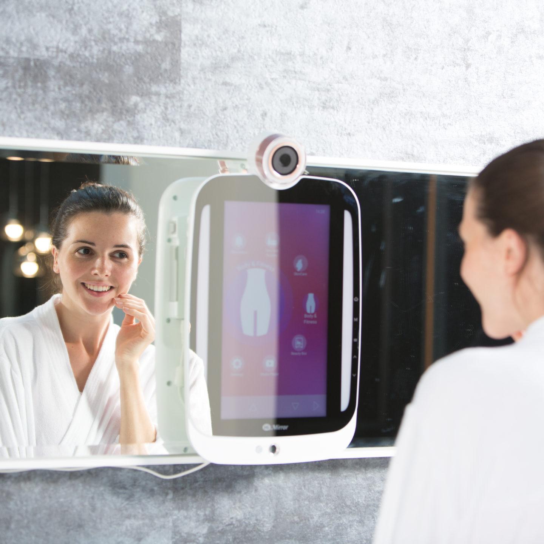 Унікальне смарт-дзеркало HiMirror зосереджується на ваших недоліках і коштує $189