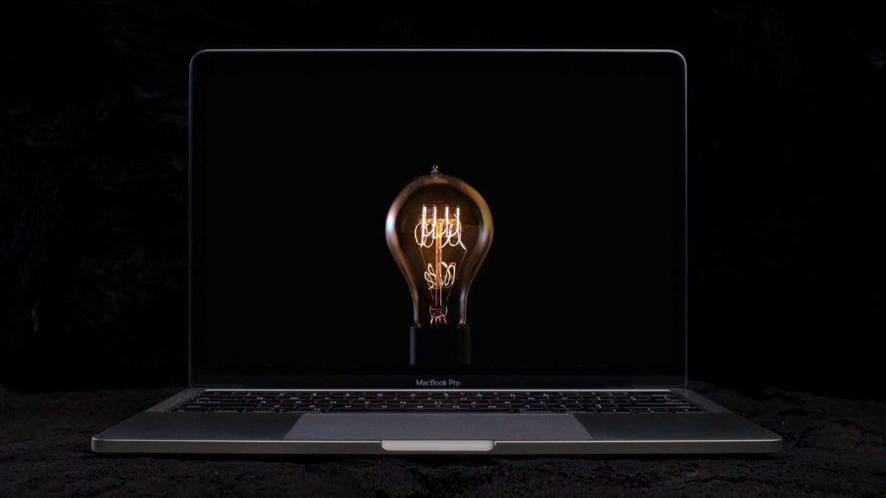 Блестящая реклама MacBook Pro от Apple: подойдет не только дизайнерам