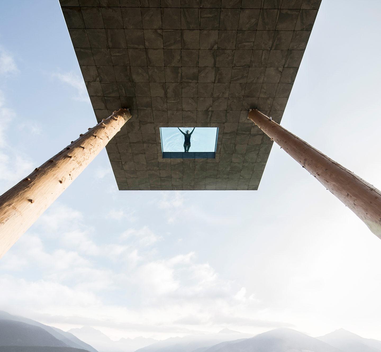 Басейн над прірвою: ДИВОВИЖНИЙ дизайн готелю (ФОТО)
