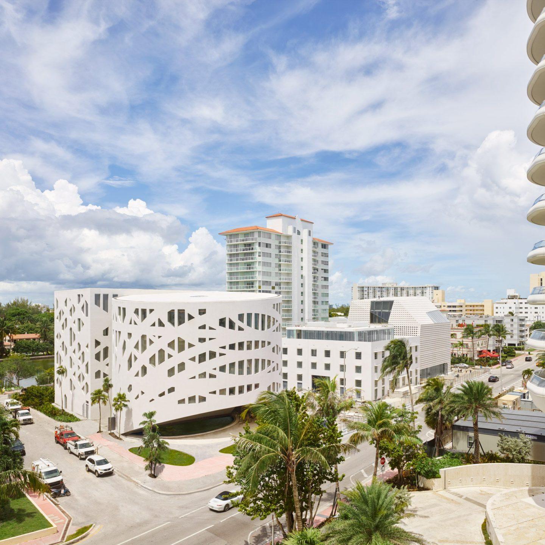 """В Маямі з'явився центр мистецтв із гіганським """"равликом"""" усередині"""