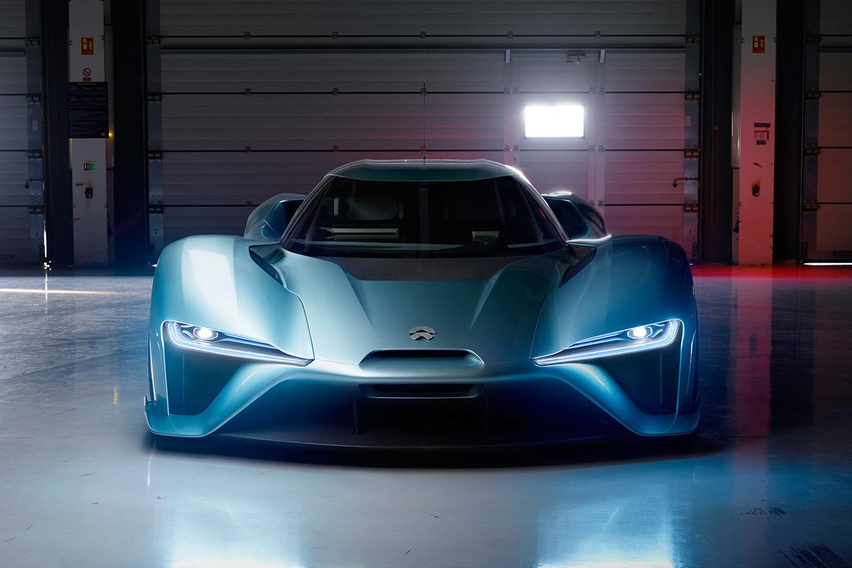 Диво дизайну: китайці презентували найшвидший у світі електромобіль