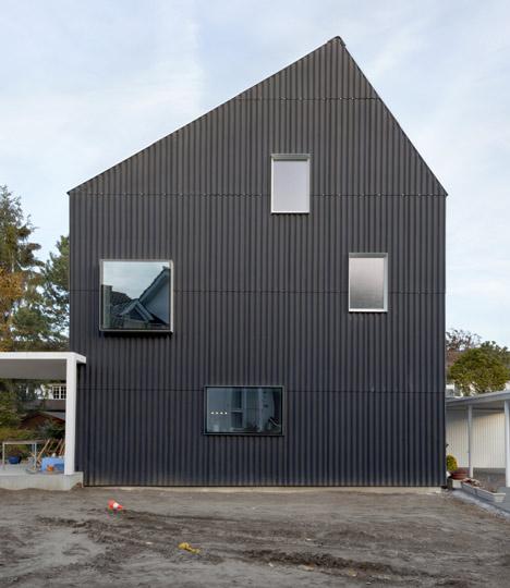dezeen_-private-house-bellmund-by-exh-design_8a