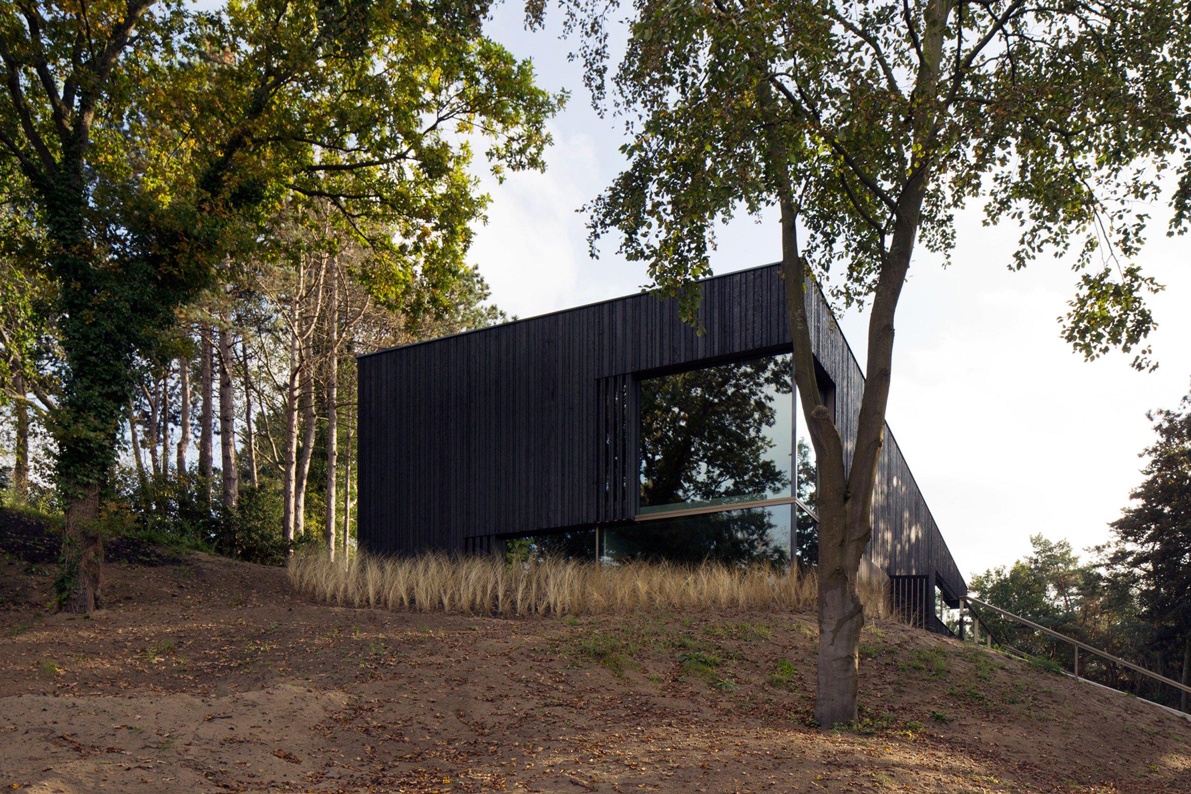 villa-meijendel-ronald-knappers-architecture-residential-netherlands_dezeen_2364_col_7