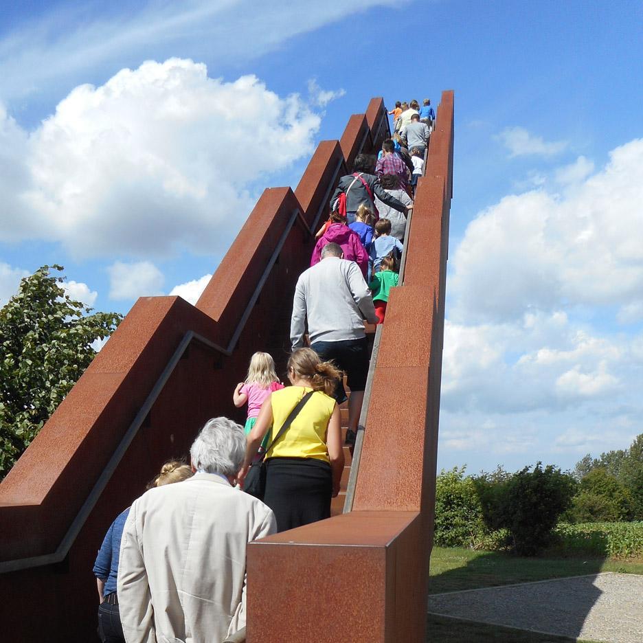 vlooyberg-tower-tieltwinge-close-to-bone-belgium-landscape-architecture-tower-stairway-weathered-steel_dezeen_936_9