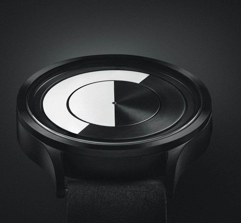 Місячний годинник Ziiiro: мега-дизайн із Гонконга