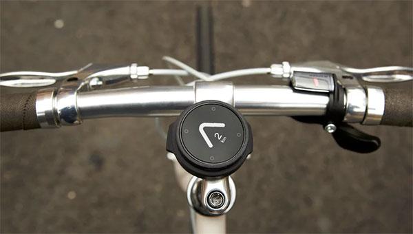 Мінімалістичний навігатор для велосопедистів: вказує тільки напрямок
