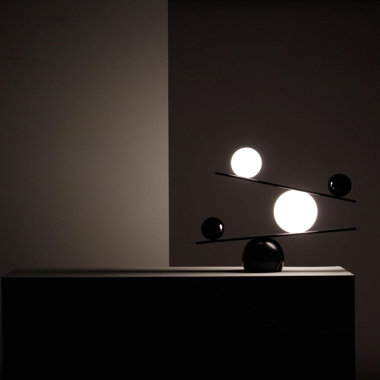 Лампи, які самі себе балансують – чудовий дизайн від шведської Oblure