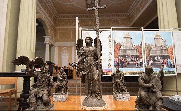 Замість пам'ятника Леніну у Харкові з'явиться стела з янголом або святим – 86 метрів заввишки