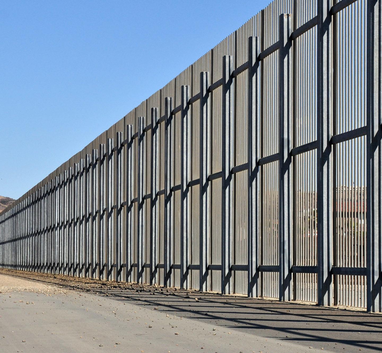 Трамп оголосив дедлайн конкурсу на проект дизайну стіни між Мексикою і США