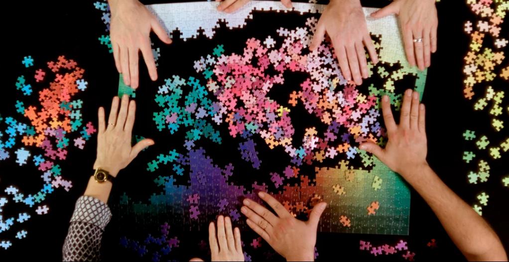 Лучший подарок для дизайнера – невероятный пазл, со всеми цветами в CMYK-спектре! (Видео)