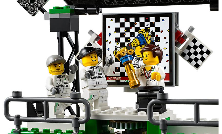 Нові конструктори AMG F1 team від Lego: іграшковий дизайн, який приносить мільярди
