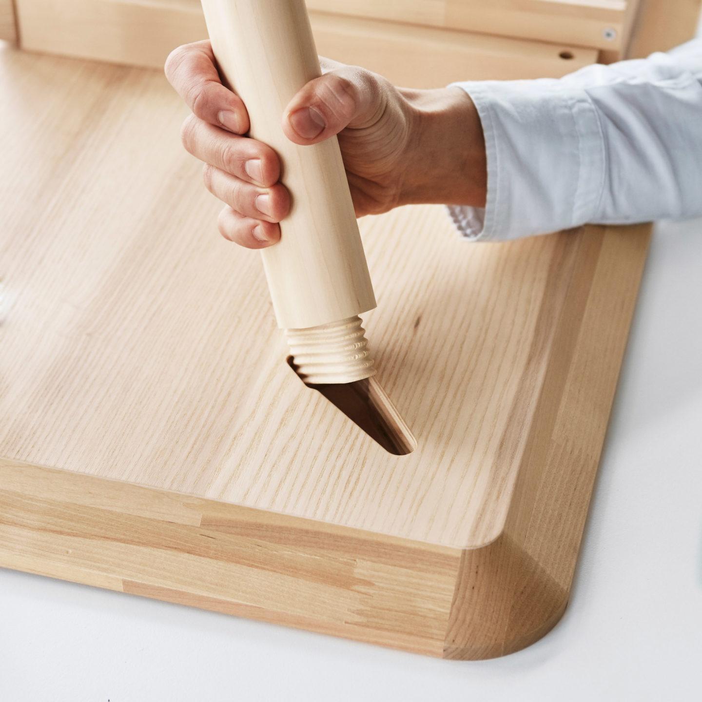 Дизайнери IKEA вигадали спосіб для МЕГА-швидкого складання меблів (Відео)