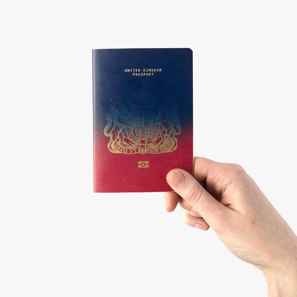 Brexit Passport: прикольний конкурс для дизайнерів завершився