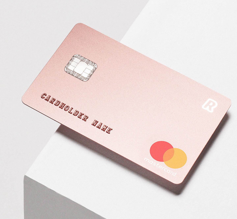 Супер-мінімалістичний дизайн банківської карти для Revolut