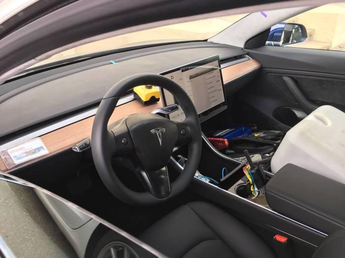 Яким буде дизайн нової Tesla Model 3? (Фото)