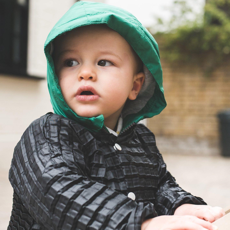 """Британець вигадав """"адаптивний"""" дизайн дитячого одягу"""