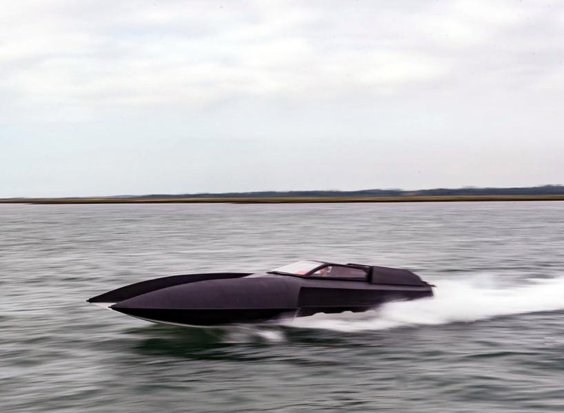 Alpha Centauri – доступний супер-човен для Бетмена