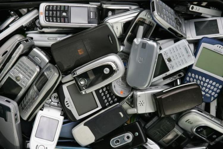 """Повна жесть: як має виглядати справжній """"мобільний телефон""""? (Відео)"""