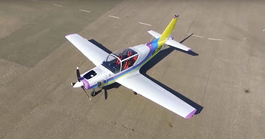 """Новий український літак Y1 """"Дельфін"""" (Фото, Відео)"""