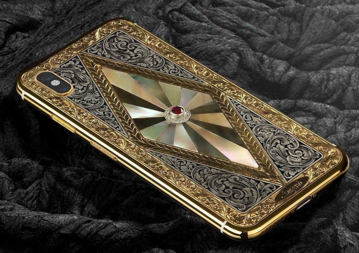 Фінські дизайнери оздобили iPhone X … золотом і діамантами за 3000 євро