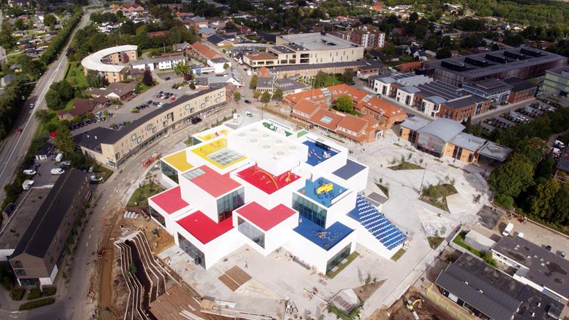 Шедевральний LEGO House: це значно крутіше ніж Дісней-Ленд (Огляд)