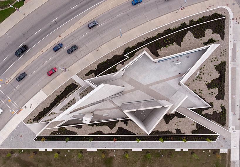 Геометричне диво: національний монумент Голокосту в Канаді