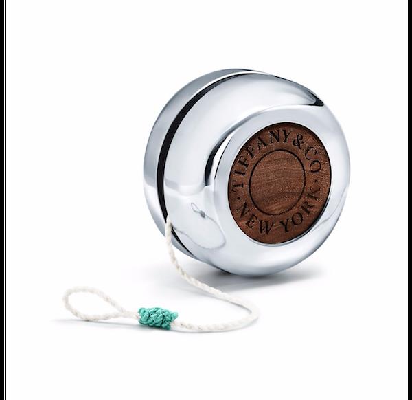 Розрив product-дизайну: бляшанка від Tiffany & Co за $1000 і клубок ниток – за $9000