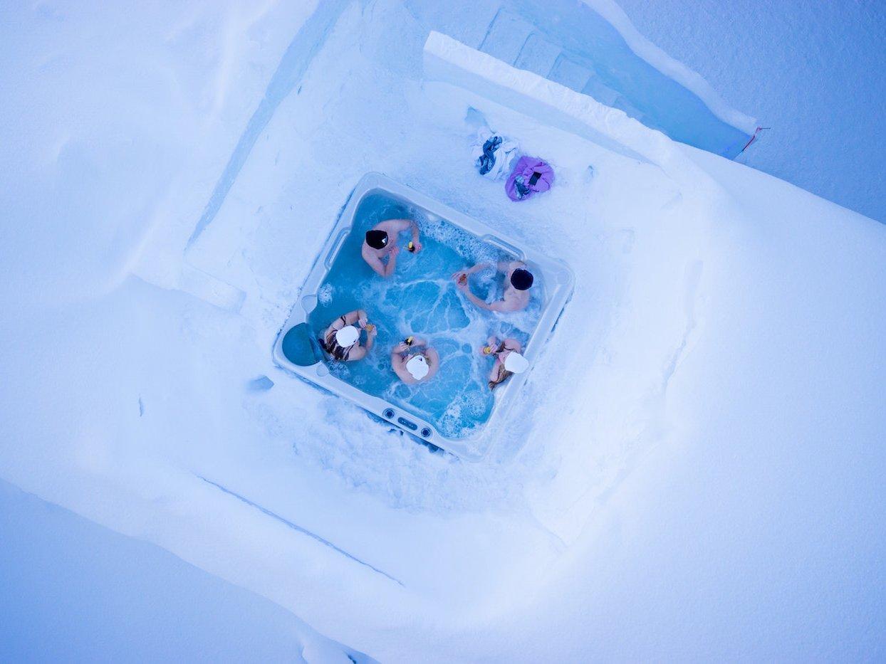Сауна майже повністю зі снігу: неймовірні фото