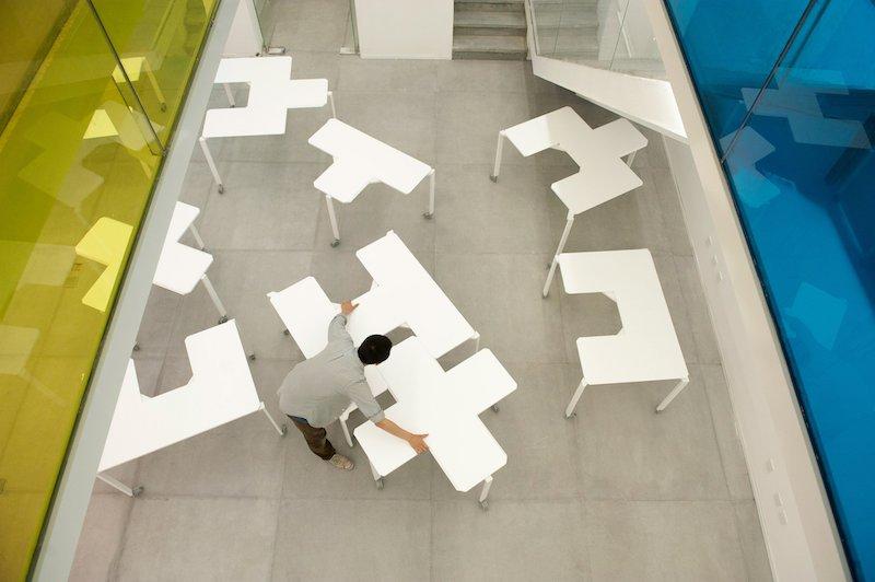 Класний дизайн для офісу: столи Tetris від китайських дизайнерів