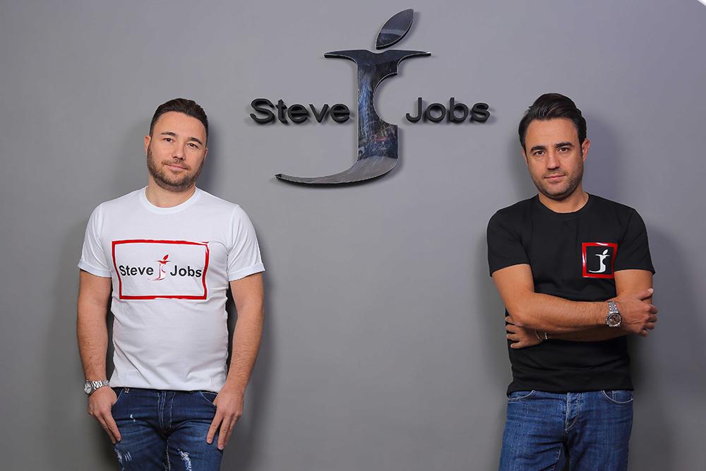 Комедія про айдентику: як італійський бренд одягу Steve Jobs виграв суд … у Apple!