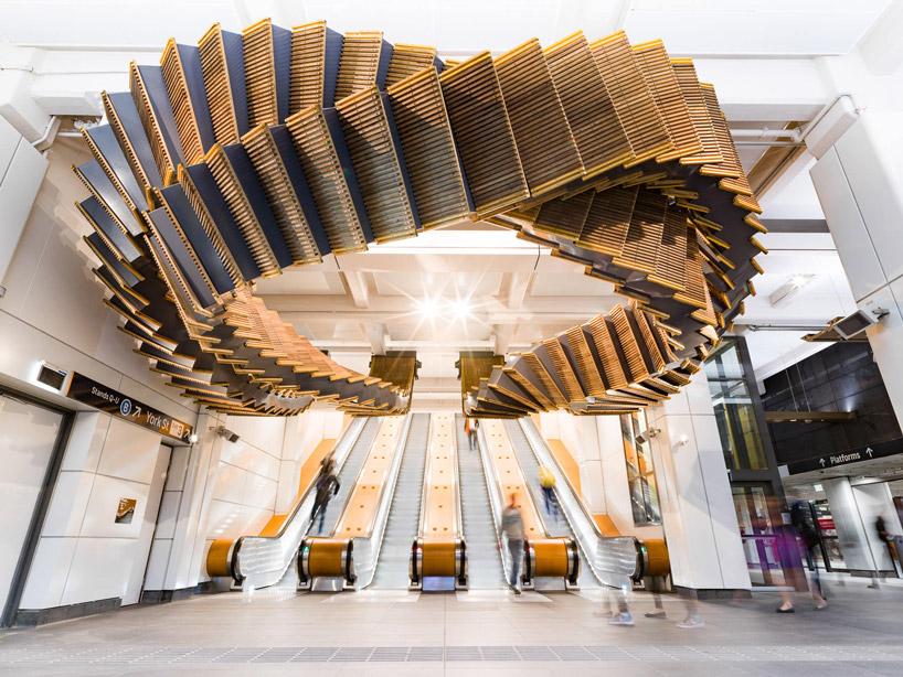 Фантастична інсталяція: сюрреалістичний ескалатор метро в Сіднеї (Фото)