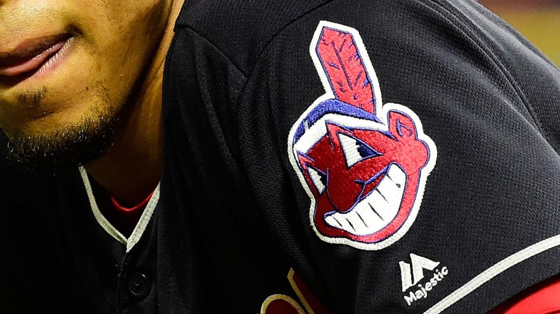 """Бейсбольний клуб Cleveland Indians змусили відмовитися від """"расистського"""" лого, якому 51(!) рік"""