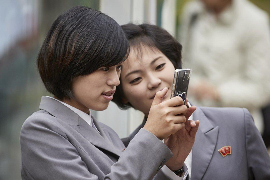 Samsung випустила смартфон, який… неможливо підключити до інтернету (ФОТО)