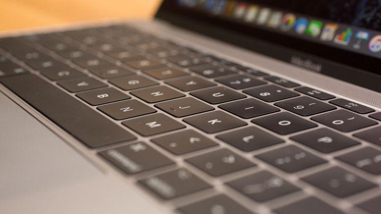 Дожились: на Apple подали в суд через неякісні клавіатури MacBook