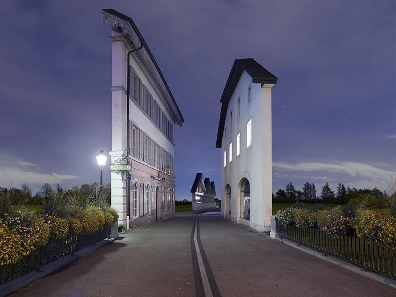 Лише фасади: дуже ефектний погляд на архітектуру від французького фотографа (ФОТО)