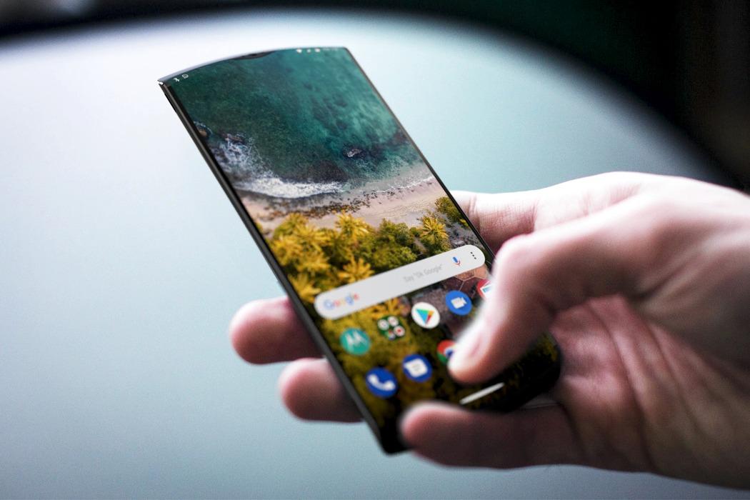 Реінкарнація культового дизайну телефона Motorola RAZR (ФОТО)