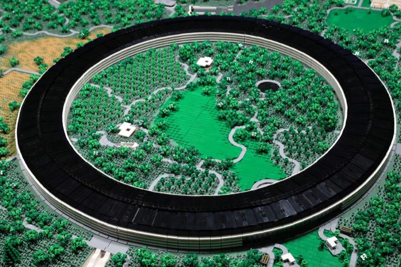 Жесть: як зібрати копію кампусу Apple з Lego (за 2 роки!)