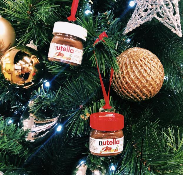 Новорічний дизайн: Target випустив міні-баночки Nutella, які можна повісити на ялинку (ФОТО)
