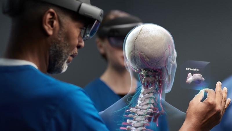 Доступна доповнена реальність? Microsoft HoloLens 2 – зовсім не про це (ВІДЕО)