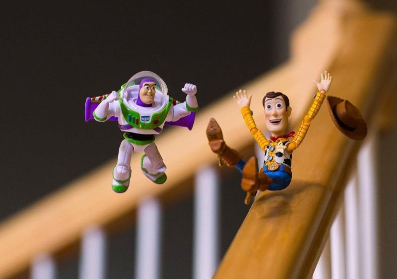 Подивіться на іграшки по-новому, завдяки неймовірним ФОТОінсталяціям з США