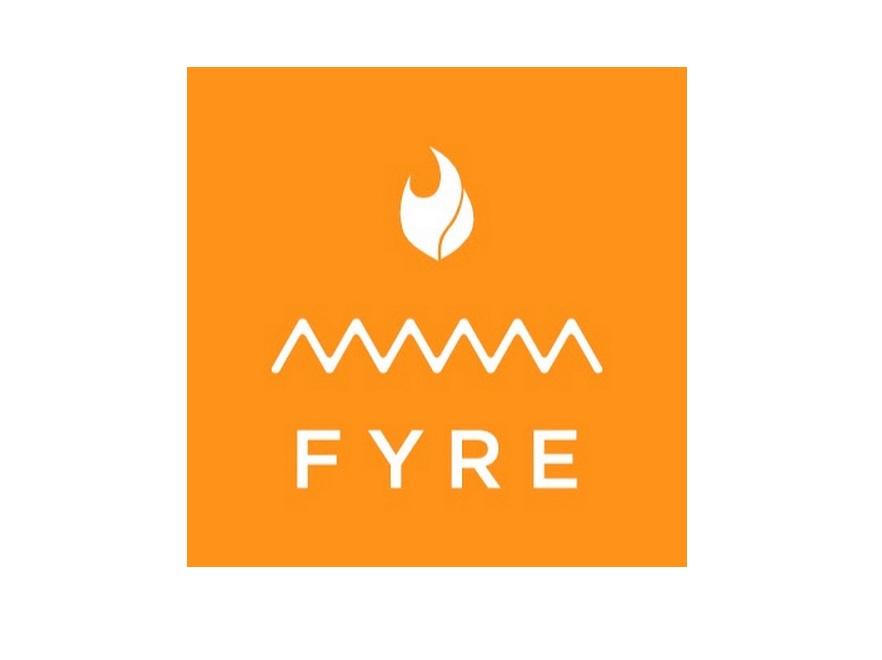 """У США на аукціоні продадуть речі з логотипом """"найгіршого фестивалю в історії"""" Fyre Fest"""