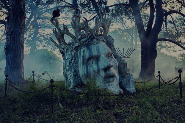 """Трішки безумства до виходу фінального сезону """"Гри Престолів"""" – кладовище та… смажені курі (ФОТО)"""