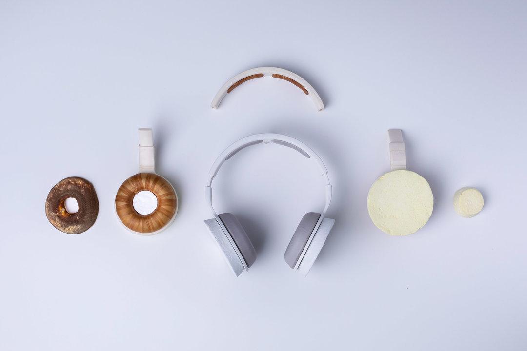 Майбутнє продуктового дизайну: у Фінляндії створили навушники Korvaa – з грибів і дріжджів (ФОТО)