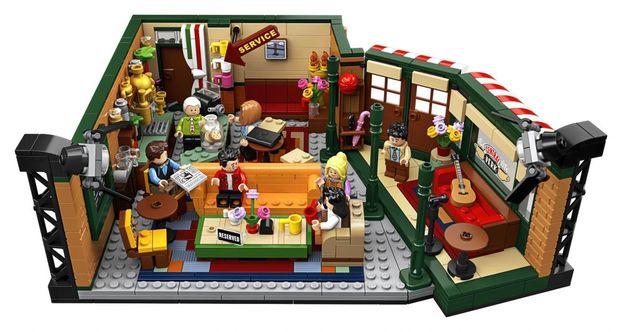 """Як Lego використовує дизайн із серіалу """"Друзі"""" і заробляє на цьому (ФОТО)"""