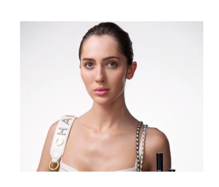 Модель-трансгендер стала обличчям beauty-кампанії Chanel