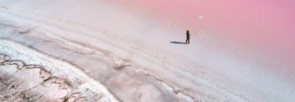"""Як """"рожеві озера"""" вивели українського фотографа у шортліст Sony World Photo Awards 2020"""